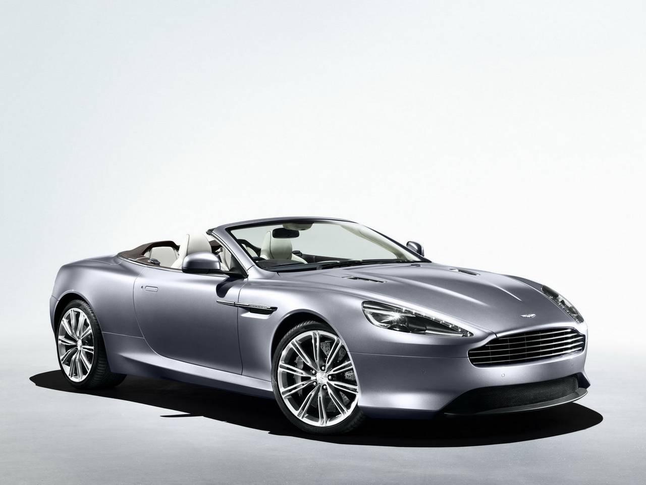 Aston Martin Virage 05