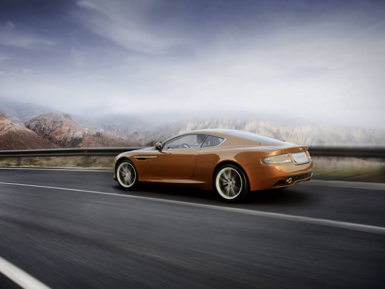 Aston Martin Virage 04