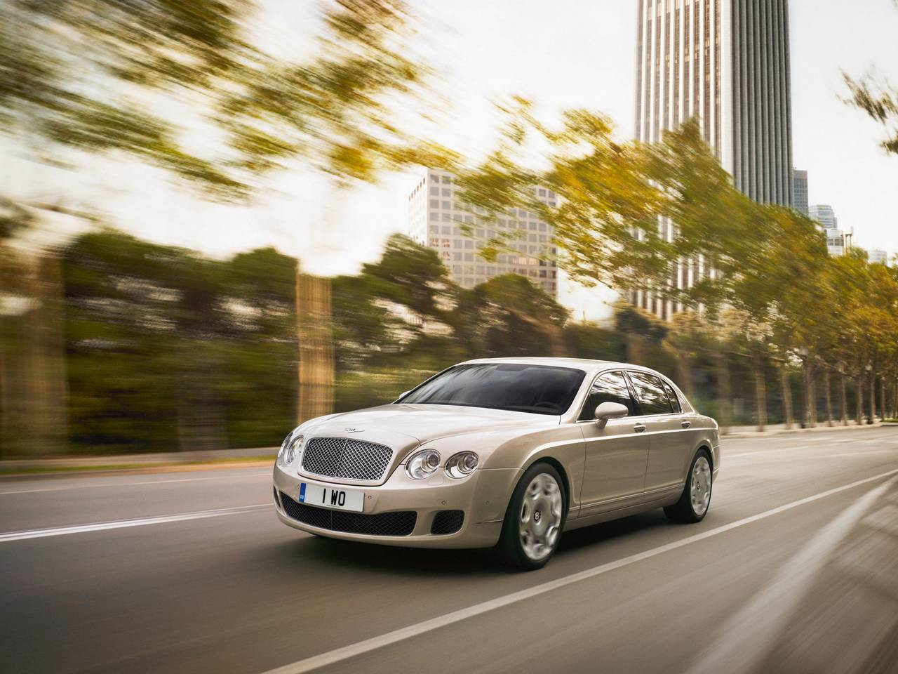 Bentley Continental Flying Spur 01