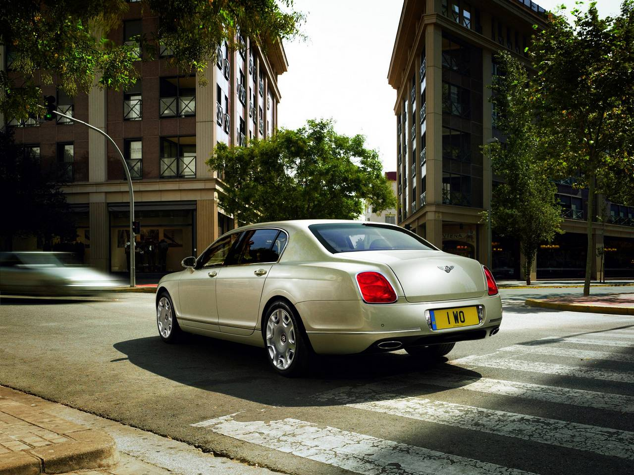 Bentley Continental Flying Spur 02