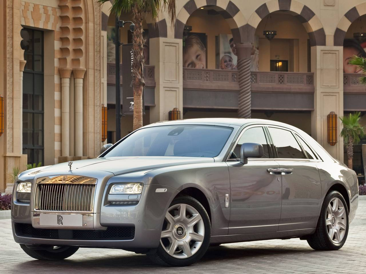 Rolls-Royce Ghost 02